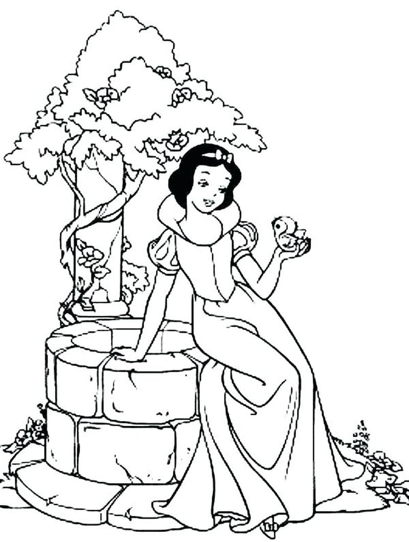 Snow White Giant Coloring Book